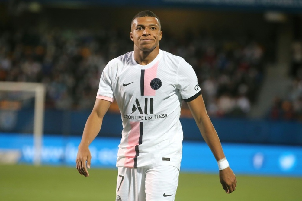 No talks between Real Madrid and Mbappe