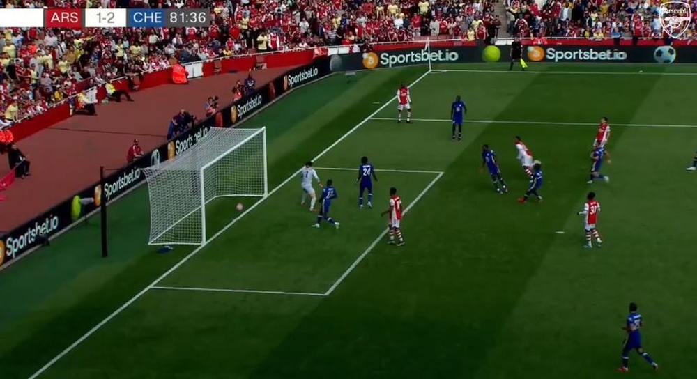 Arsenal clear goal to Chelsea